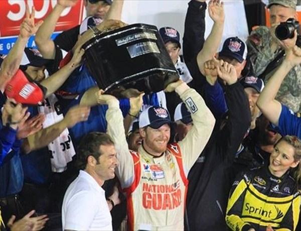 Earnhardt Jr. Wins Second Career Daytona 500_3440477598169320299