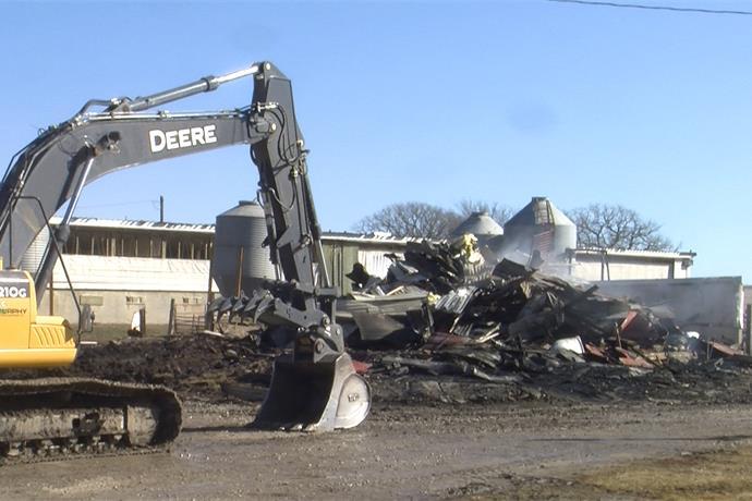 Oyens Farmer Loses 350 Feeder Pigs In Early Morning Barn Fire_6048881543748800165
