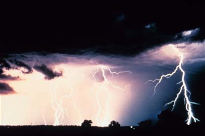 thunderstorms_8450757784589976411