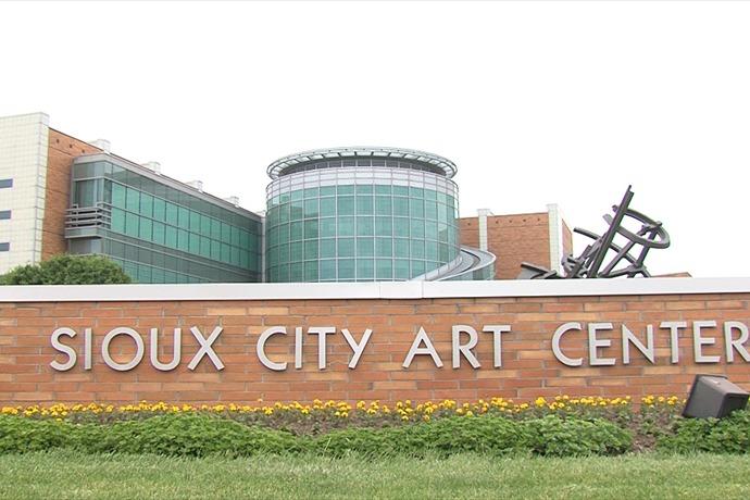 The Sioux City Art Center_-8012688558456157349