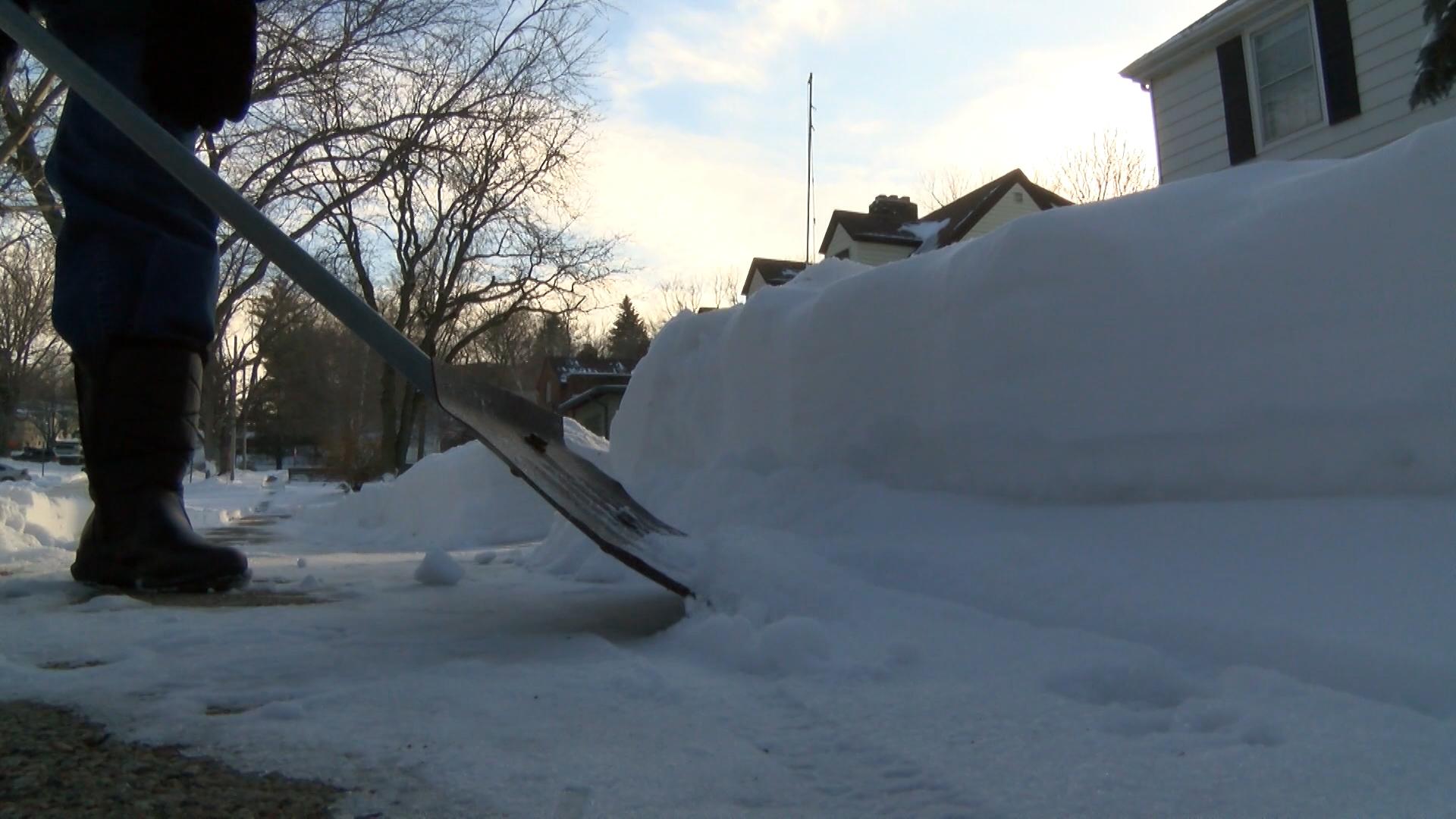 V YHM MM SNOW SHOVELING.00_00_03_16.Still001_1482747604186.jpg