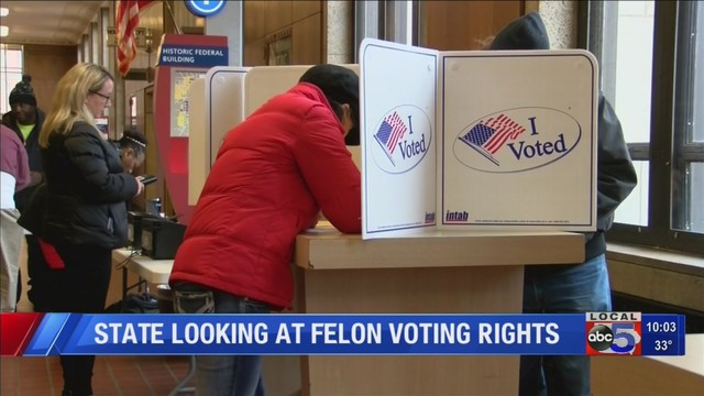 Iowa_to_address_felons__voting_rights_0_62781634_ver1.0_640_360_1542806996914.jpg