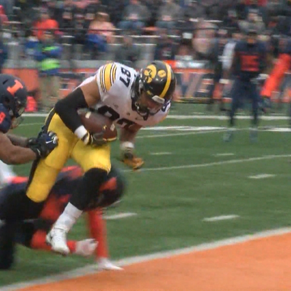 Iowa takes down Illinois