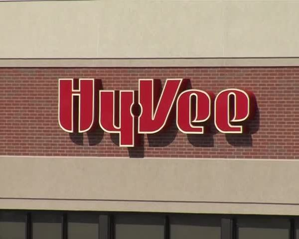 Hy-Vee helps community gardens across Iowa_89971841-159532