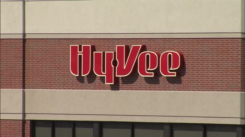 Hy-Vee helps community gardens across Iowa_89971841-159532