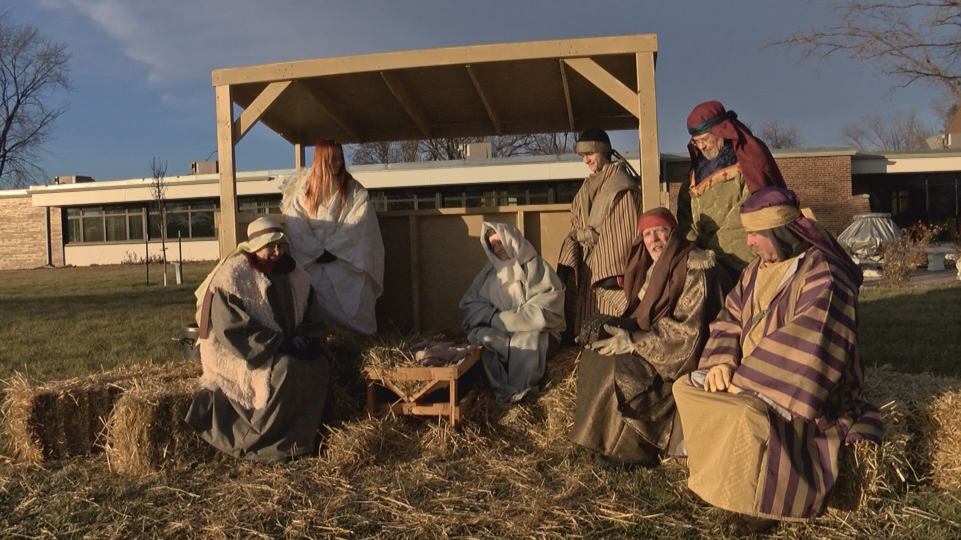 V LIVING NATIVITY_frame_791_1545534789157.jpg.jpg