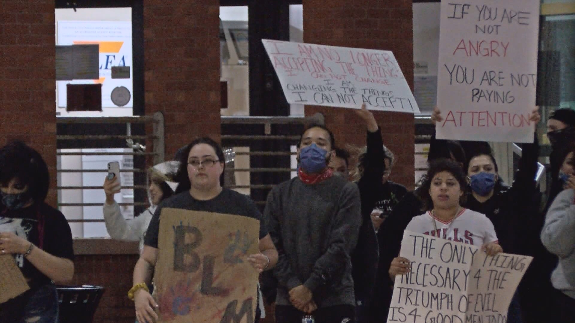 Protest In Sioux City Turns Violent 14 Arrested Siouxlandproud Sioux City Ia News Weather And Sports