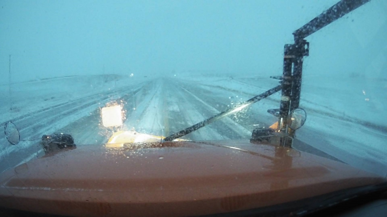 snow plow, iowa DOT, near orange city, Jan 15 733AM